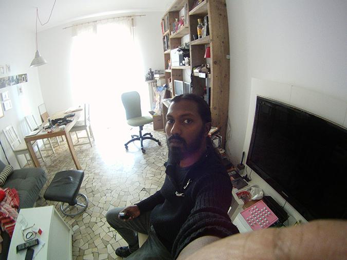 M.C.E. - My Camera sElfier - original-04